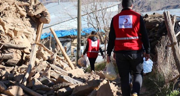 Elazığ Depreminde Türkiye Tek Yürek